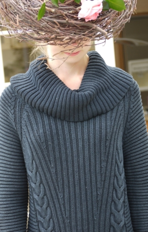 On Model. Elegant Turtle Neck in Dark Blue. Piece of Blue