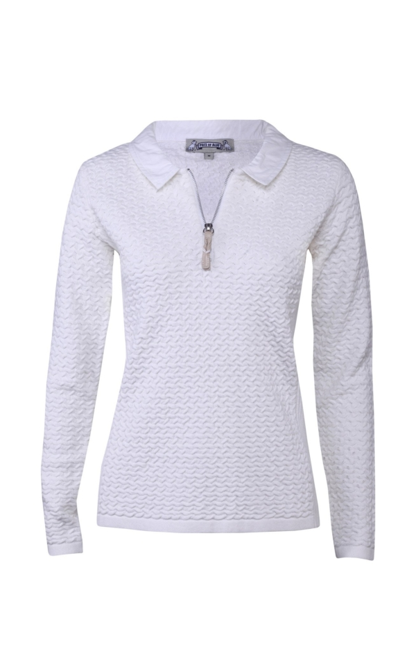 Basic and Elegant Pullover in White. Piece of Blue.