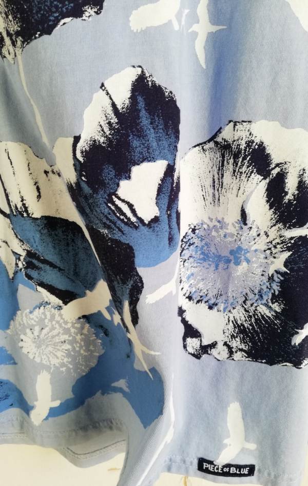 Blue Hand-Printed T-shirt with Pretty Print from Piece of Blue. Close up 2.